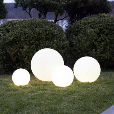 4 šviečiančių rutulių komplektas TWILIGHTS Saulės baterijos
